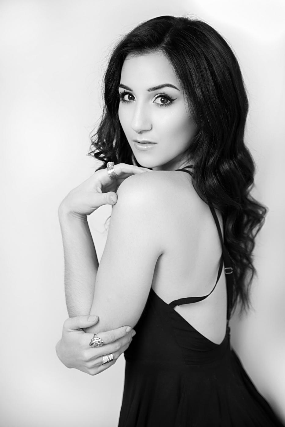 Jessica-Daniel-Engagement-Photo-Shoot-in-the-heart-of-Washington-DC-Ksenia-Pro-Photography-20