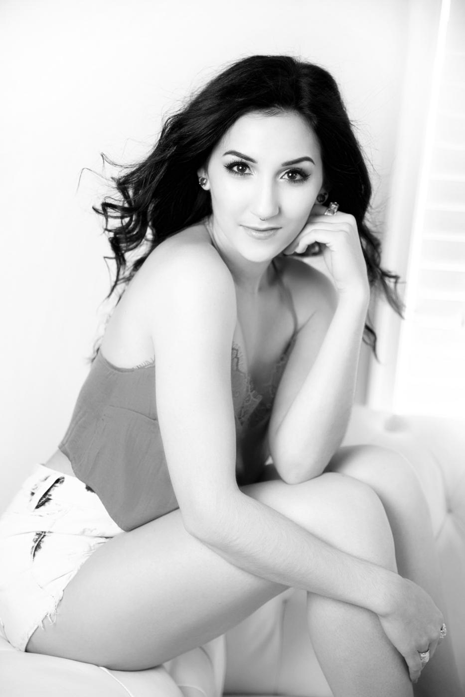 Jessica-Daniel-Engagement-Photo-Shoot-in-the-heart-of-Washington-DC-Ksenia-Pro-Photography-22