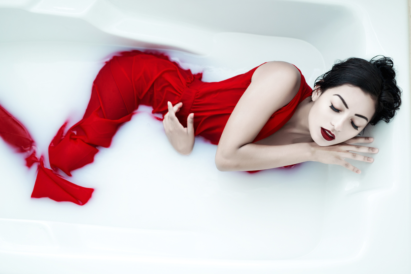 Bathtub photoshoot at my studio ksenia pro photography for Bathroom photoshoots
