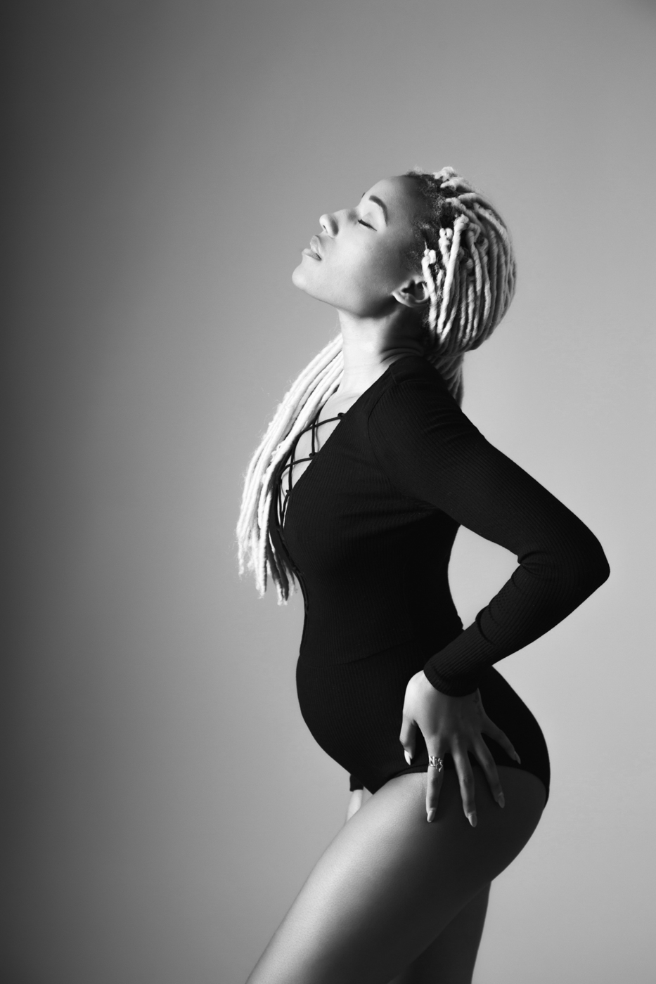 its-a-girl-maternity-and-gender-announcement-photo-shoot-with-krystin-ksenia-pro-photography-7