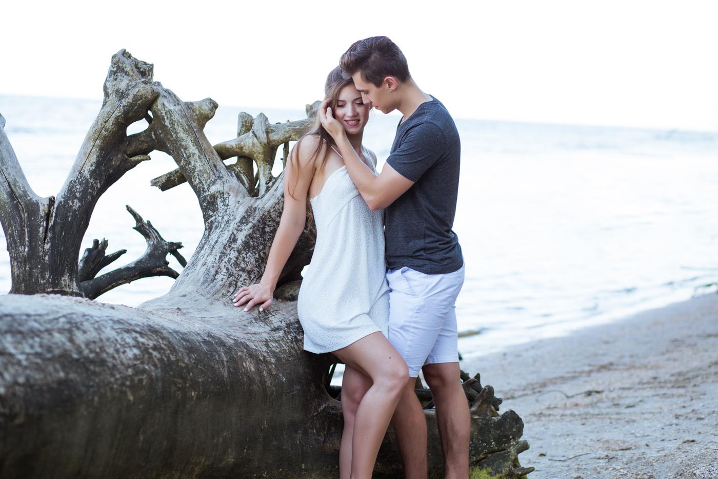 summer-beach-engagement-shoot-ksenia-pro-photography-33