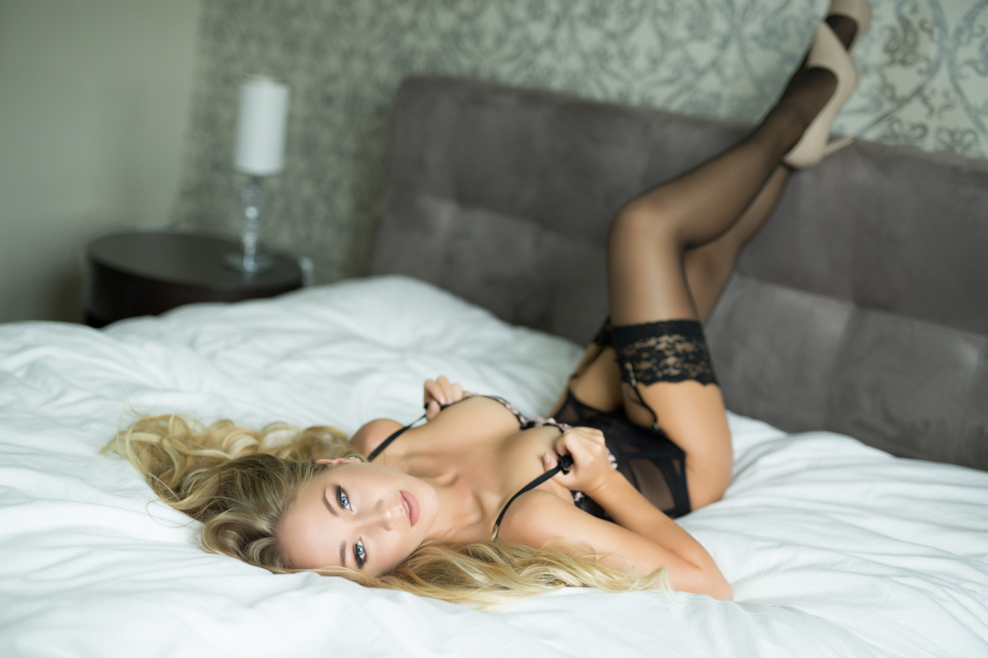 boudoir-photo-shoot-at-w-hotel-in-dc-ksenia-pro-photography-9