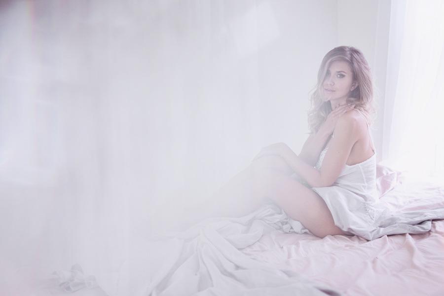 boudoir-photographer-studio-washington-dc-photographer-ksenia-pro-photography-boudoir-video-1
