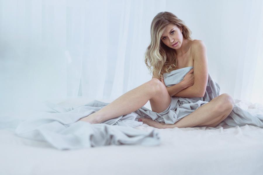 boudoir-photographer-studio-washington-dc-photographer-ksenia-pro-photography-boudoir-video-2