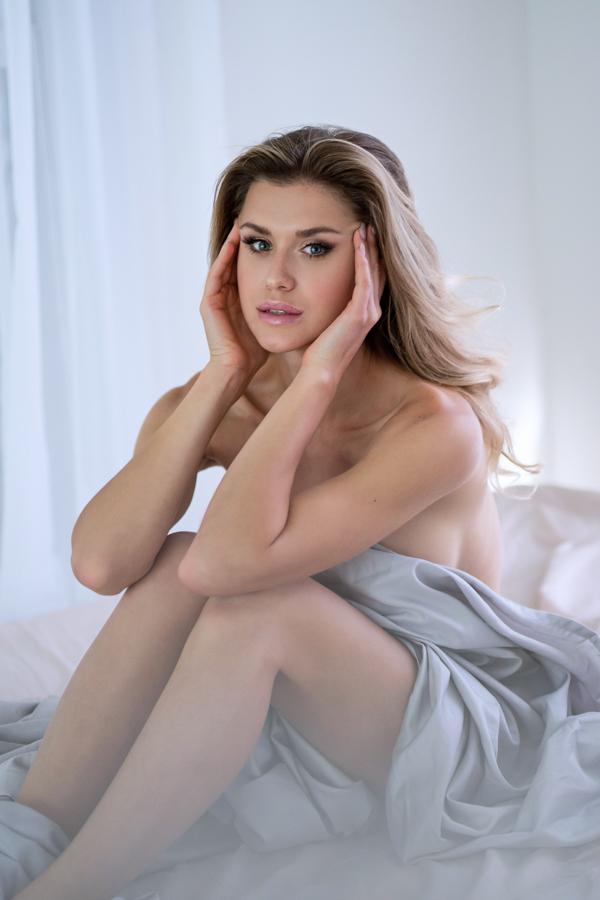 boudoir-photographer-studio-washington-dc-photographer-ksenia-pro-photography-boudoir-video-4