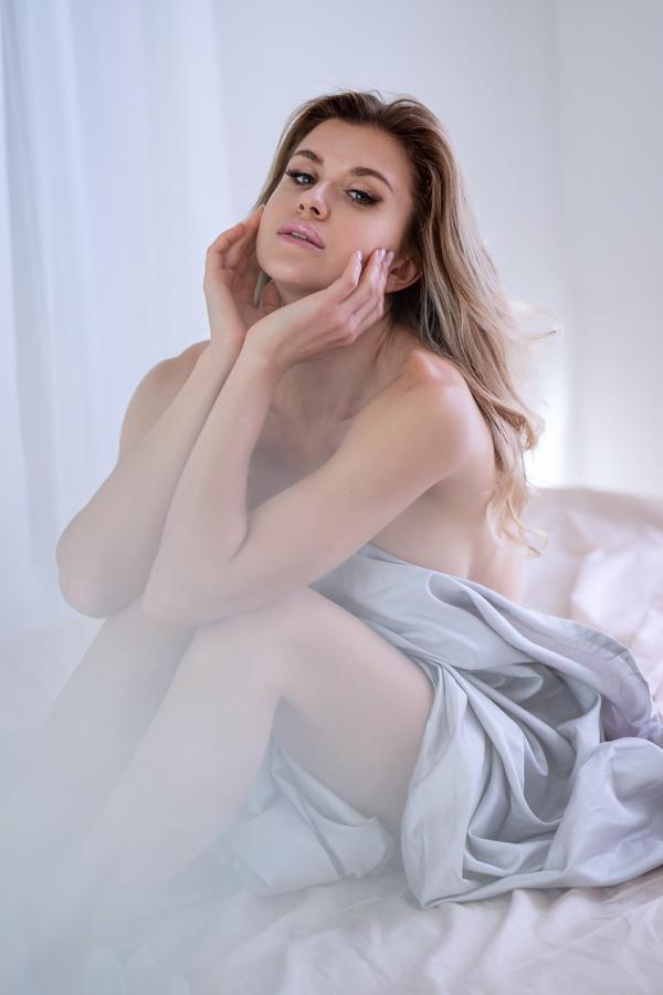 boudoir-photographer-studio-washington-dc-photographer-ksenia-pro-photography-boudoir-video-5